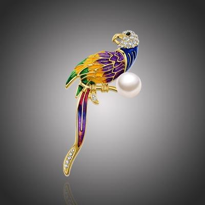 Brož Swarovski Elements Socorro s perlou - papoušek