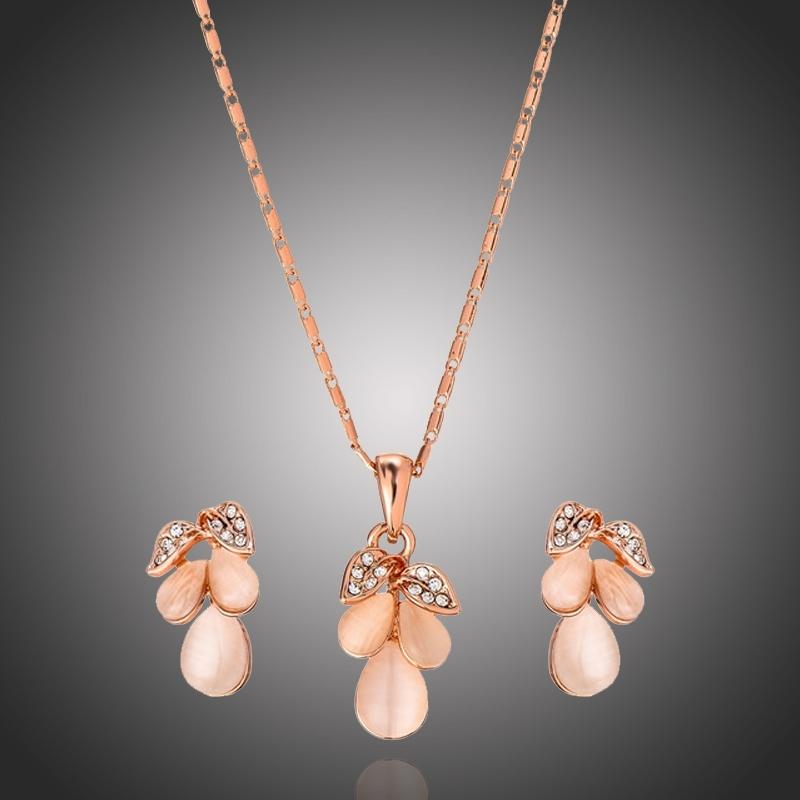 Exkluzivní souprava šperků s opály Ariane