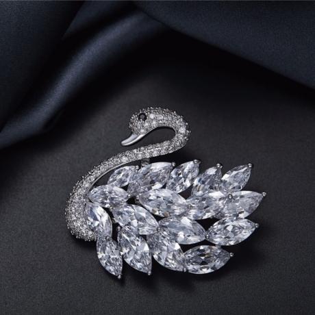 Exkluzivní brož Swarovski Elements Nicolet - labuť