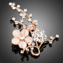 Brož Swarovski Elements Benetteta - květina, opál