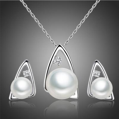 Souprava náhrdelníku a náušnic s perlou a zirkony Constantina
