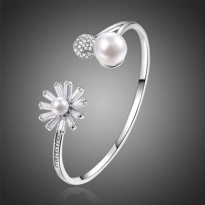 Bangles náramek s perlou a Swarovski krystaly Jacques