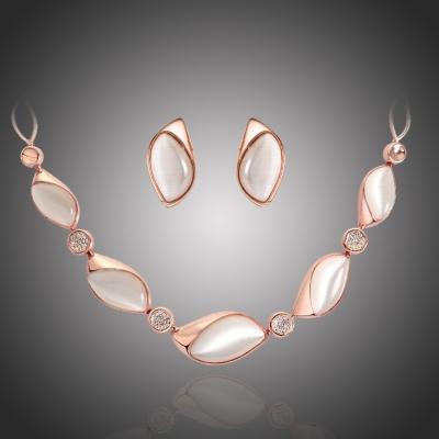 Souprava náhrdelníku a náušnic s opály a zirkony Bataglia