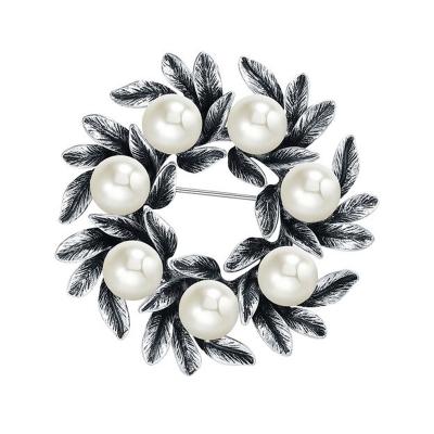 Exkluzivní vintage brož s perlou Eduarda