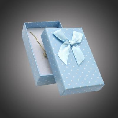Puntíkatá dárková krabička na soupravu šperků Arco 2