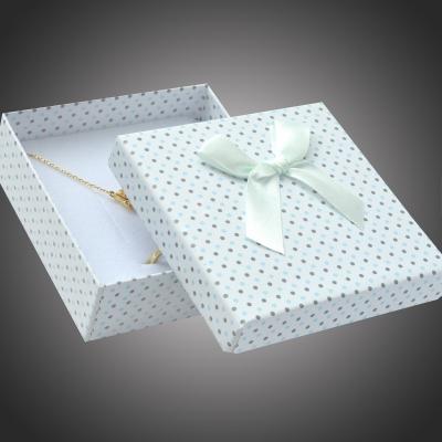 Puntíkatá dárková krabička na soupravu šperků Arco 9