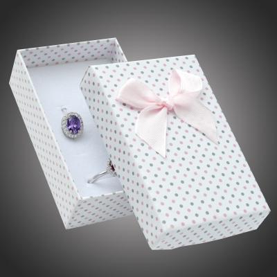 Puntíkatá dárková krabička na šperky Arco 13