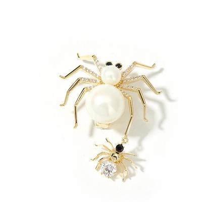 Brož s perlou Emma - pavouček pro štěstí