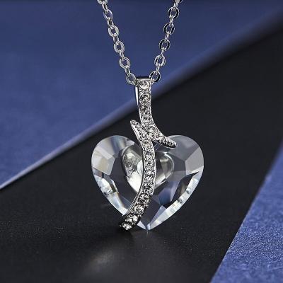 Exkluzivní náhrdelník Swarovski Elements Emily - srdce