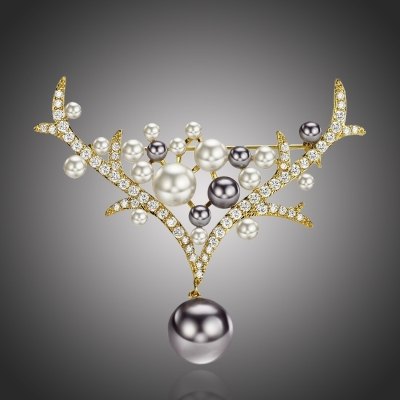 Vánoční perlová brož Annie