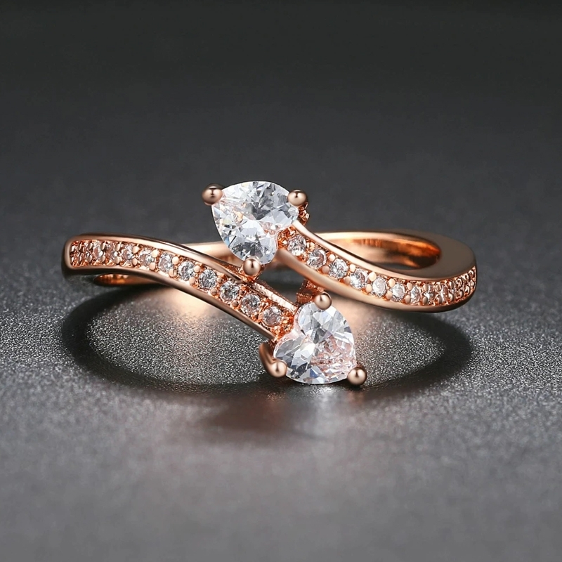 Pozlacený prsten  se zirkony Alfredi - srdíčko