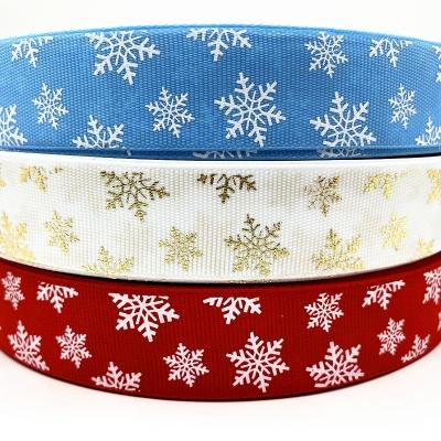 Vánoční rypsová stuha šíře 25 mm - sněhová vločka - 4,5 m