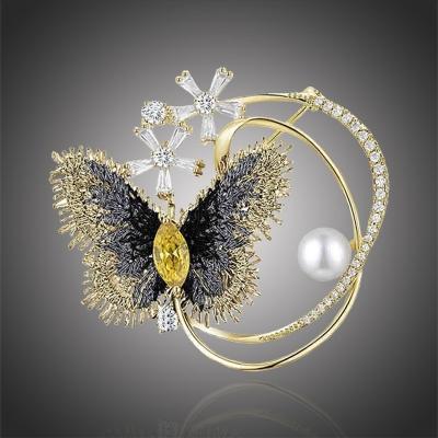 Exkluzivní brož Swarovski Elements Accia - motýl