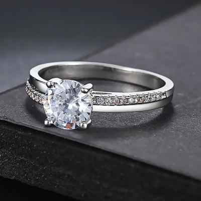 Pozlacený prsten se zirkony Robertino